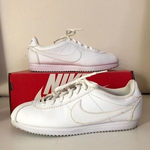 Nike Cortez, kids 5.5Y , womens 6.5-7